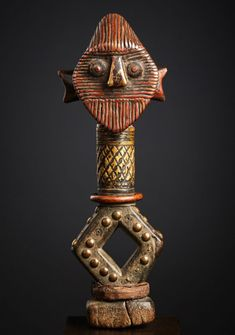 """KOTA-SHAMAYE or KOTA SANGO/SANGU (Bakota) RELIQUARY FIGURE """"Boho na bwete"""" de (effigies d'ancêtres du gabon) #3 - A Private Collection, frankfurt (germany) This Kota stylistically seems to be related to the """"SANGO"""" amongst the lager complex of the Mindassa, Bawumbu or even further north to the """"SHAMAYE"""". It is a superb work of art that could only be completed by a sculptor at the peak of his craft and skill in his generation African Sculptures, Frankfurt Germany, Effigy, Eye Make, Diamond Shapes, Carving, Boho, Artwork, Crafts"""