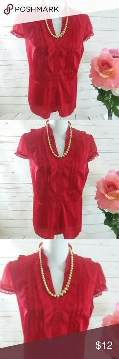 Worthington Ladies Red Pleated 1X blouse This is a red ladies size 1X Worthington pleated neckline blouse. It is almost a Peplum style as it does have that type of waste. It is 100% polyester. It is in good preowned condition and sold without stains or Worthington Tops Blouses