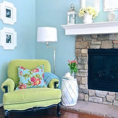 We are truly inspired by @wicksnest sitting nook! Very cozy and welcoming. #HomeGoodsHappy