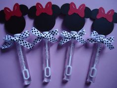 Minnie Mouse party favors, Minnie Mouse bubble wands set of 8 Minnie Mouse Theme Party, Minnie Mouse 1st Birthday, Minnie Mouse Baby Shower, Mickey Mouse Parties, Mickey Party, Disney Parties, Party Fiesta, Festa Party, 2 Birthday