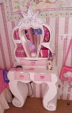 Haz tus propios muebles (planos de muebles sencillos) Diy Cardboard Furniture, Paper Furniture, Cardboard Crafts, Barbie Furniture, Kids Furniture, Cool Easy Drawings, Mermaid Room, Diy Arts And Crafts, Diy Toys