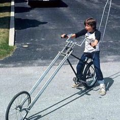 I remember when Larry had chopper bars like that. Velo Retro, Velo Vintage, Vintage Cycles, Vintage Bikes, Cool Bicycles, Cool Bikes, Velo Design, Lowrider Bicycle, Old Bicycle