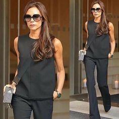 "Vogue 🌺 Paris on Instagram: ""@crimson_style_new_york . . . . . #basarafashionstyle #fabulous #fashionista #fashionweek #fashionlover #fashionblogger #fashionstyle…"" Paris Chic, Celebrity Look, Vogue Paris, Work Fashion, London Fashion, Womens Scarves, Victoria Beckham, Latest Fashion Trends, Peplum Dress"