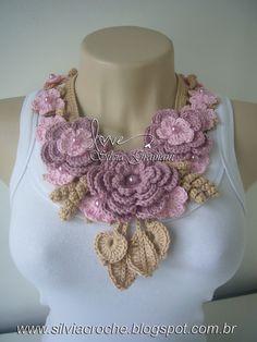 Silvia Gramani: amazing ideas on this site Crochet Scarves, Crochet Yarn, Crochet Clothes, Freeform Crochet, Crochet Motif, Crochet Flower Patterns, Crochet Flowers, Crochet Bracelet, Crochet Earrings