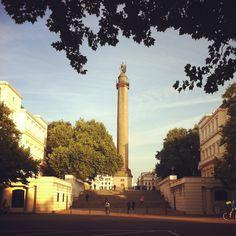 Sun rises over The Duke of York Column in #London this morning 16°C I 61°F #BurberryWeather