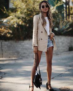 Who wears short shorts? ♀️ #summer