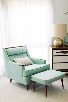 Nice Retro home decor ideas - Really Terrific decor. retro home decor ideas plants example and trick id 7021370398 pinned on this day 20190716 Living Room Furniture, Home Furniture, Living Room Decor, Furniture Design, Rustic Furniture, Antique Furniture, Furniture Ideas, Furniture Movers, Outdoor Furniture