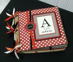 #papercraft #scrapbook #minialbum Paper bag albums are totally adorable!