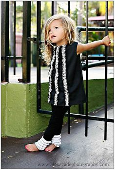 Black Jumper with Polka Dot Ruffles.want to make this for my little girl. Fashion Kids, Little Girl Fashion, My Little Girl, My Baby Girl, Toddler Fashion, Style Fashion, Cool Baby, Baby Kind, Girl Outfits