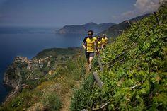 I sentieri delle #CinqueTerre non solo a passo di #trekking ma anche di corsa! (per pochi, diciamolo...) via  Ergus Trail Team