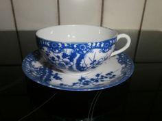 Tasse-et-sa-soucoupe-motif-Japonais-bleu