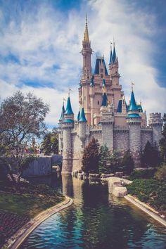 Świat Disneya // http://www.ubieranki.eu/