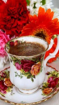 Coffee Cafe, Coffee Set, Coffee Break, Bone China Dinner Set, Good Morning Coffee Gif, Breakfast Tea, Coffee Pictures, Coffee Photography, My Cup Of Tea