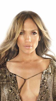 Glowing Jennifer Lopez Bronze and Pink Make Up Jennifer Lopez Body, How To Wear Makeup, Natural Wedding Makeup, Natural Makeup, Hollywood, Glamour, Celebs, Celebrities, Most Beautiful Women