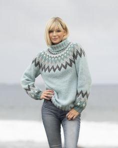 Strikkemekka.no - Viking - «Kathrine»-genser Lys Petrol 2035-1a Vikings, Norway, Turtle Neck, Product Description, Pullover, Wool, Sweaters, Design, Passion