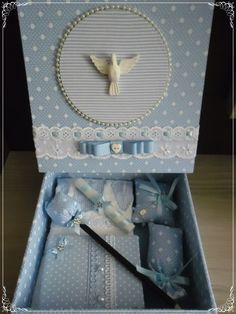Baby Keepsake, Keepsake Boxes, Cross Stitch Embroidery, Christening, Ideas Para, Decorative Boxes, Packaging, Scrapbook, Candles