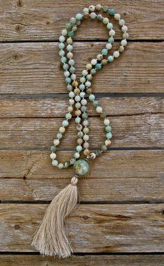 Tassel long collier avec multicolore jadéite ronde par NORDeastHOME