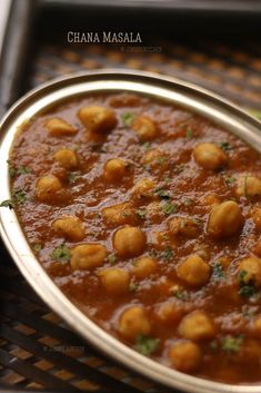 Chana Masala recipe - flavourful and delicious side dish made with chickpeas and onion tomato base gravy in a pressure cooker. Curry Recipes, Vegetarian Recipes, Cooking Recipes, Healthy Recipes, Bacon Recipes, Easy Cooking, Cooking Tips, Snack Recipes, Veg Dishes