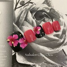 Fuchsia with flecks of gold Pedicure Designs, Pedicure Nail Art, Toe Nail Designs, Toe Nail Art, Nail Ink, Feet Nail Design, Pretty Pedicures, Cute Toe Nails, Feet Nails
