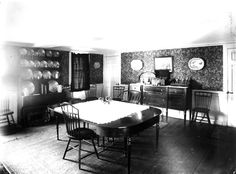 ; Sumner House, Main St., Shrewsbury, Mass., Dining Room. | Domestic interiors photographic collection, ca. 1860-1920 (PC002) -- Historic New England