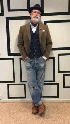 Dapper street style - Dress World for Men Fashion For Men Over 50, Mature Mens Fashion, Old Man Fashion, Fashion Mode, Style For Men Over 50, Mature Men Style, Older Men Style, Stylish Men Over 50, Fashion Styles