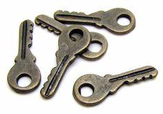 Charms : 10 Antique Bronze Vintage Key Charms   Brass Ox Keys