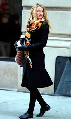 Blake Lively Filming On The Gossip Girl Set In New York, March 2012