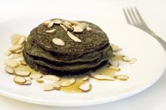 Made these for breakfast with a few modifications. it makes the hemp protein a little easier to handle. I did 1 tbsp protein powder, 1 tbsp coconut flour. and I mashed an avocado instead of banana. and added a bit of stevia for sweetness. Health Pancakes, Protein Powder Pancakes, Hemp Protein Powder, Eat Breakfast, Breakfast Recipes, Breakfast Ideas, Rabbit Food, Morning Food, Food Allergies