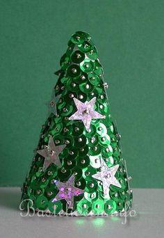Styropor Weihnachtsbaum mit Pailletten 325