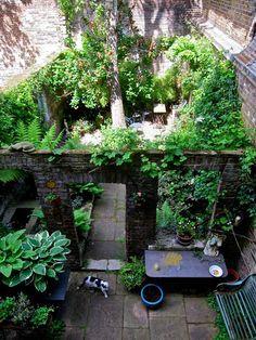 Spitalfields courtyard garden within ruins