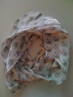Pieces sparrow scarf, 4 euros.