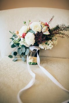 DIY hand-tied bouquet | Just Delightful Events and Abbey Moore Photography | see more on: http://burnettsboards.com/2014/04/diy-hand-tied-bouquet/ #diybouquet #weddings