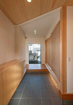 Japanese Restaurant Interior, Japan Interior, Restaurant Interior Design, Modern Japanese Architecture, Japan Architecture, Japanese Garden Design, Japanese House, Tatami Room, House Entrance
