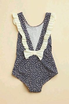 Toddler swim suite- because my daughter will not be in a two piece swim suite at an early age, shes a little girl- not a sex item. Little Girl Fashion, My Little Girl, My Baby Girl, Baby Love, Kids Fashion, Kids Swimwear, Kid Styles, Kind Mode, Cute Kids
