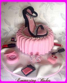 Shoe and make up pleated cake