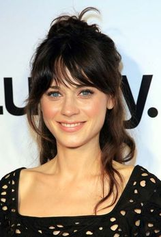 Zooey Deschanel Is Against Anorexic Hollywood - Inspiring Actress Gets Real In Recent Interview. Pretty picture for Zooey Deschanel. Quick Hairstyles, Pretty Hairstyles, Celebrity Hairstyles, American Hairstyles, Everyday Hairstyles, Formal Hairstyles, Latest Hairstyles, Straight Hairstyles, Beach Hairstyles