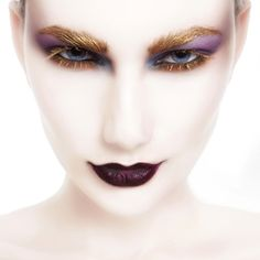Avant-Garde Makeup | Avant-garde Eye Makeup with Gold Eyebrows and Lashes