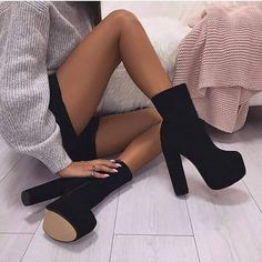 Luxe Lady Shop - Online Shoes Store – Luxe Lady Shop - Shoes Store - ankle boots/ Stiefeletten/ boots - Best Shoes World High Heel Boots, Heeled Boots, Shoe Boots, Shoes Heels, Ankle Boots, Short Heel Boots, High Heels Outfit, Heels Outfits, Nike Shoes