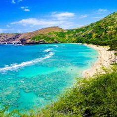 50 Things to Do on Oahu - Oahu has something for everyone! If you are planning a trip to Oahu be sure to check out this list of 50 Things to Do on Oahu! This essential list will help you plan the best Hawaii Activities for your Oahu Vacation. Best Island In Hawaii, Best Hawaiian Island, Hawaiian Islands, Tahiti, Bora Bora, Hawaii Honeymoon, Hawaii Vacation, Hawaii Travel, Oahu Hawaii