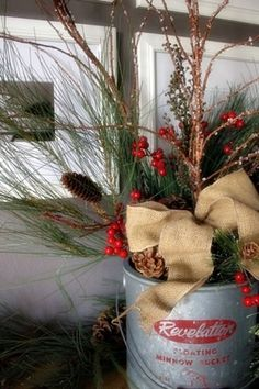 nice 44 Beautiful Country Christmas Decoration Ideas for Your Home  https://decoralink.com/2017/11/06/44-beautiful-country-christmas-decoration-ideas-home/