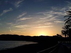 Buenas noches desde Palma. Estrenando smartphone y mejorando en cámara...mucho. . . . #cloudporn #clouds #pretty #sunset #summer #sunset #sky #sun #day #beauty #tree #blue #love #dusk #nature #twilight #orange #night #weather #mothernature #beautiful #atardecer #Mallorca