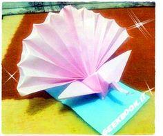 Origami player applicazione che ci insegna l'arte di piegare la carta