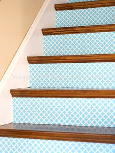 Find the perfect wallpaper pattern to decorate your stairs at strikingly cheap prices. http://www.ivillage.com/staircase-designs/7-a-533138