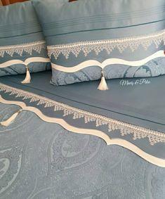 Pudra rengine bir kardeş geliyor galiba 💙💙 . . . #çeyiz #dantel #kaneviçe #ceyizhazirligi #etamin #çarpıişi #dikiş #nakış #pike #piketakımı #tasarım #art #embroidery #handmade #sewingmachine #sewinglovers #crossstitcher #crossstiching #crochet #knitting #knittinglove#igneoyasi Bedroom Art, Bedroom Furniture, Daybed Sets, Crochet Home Decor, Bed Covers, Pillow Design, Home Textile, Bed Spreads, Linen Bedding