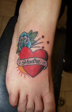 heart banner - 35  Awesome Heart Tattoo Designs  <3 <3