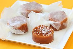 Sweet, simple and oh-so-delicious homemade treats! You will love this Fleur de Sel Caramels recipe! Caramel Recipes, Candy Recipes, Sweet Recipes, Holiday Recipes, Köstliche Desserts, Delicious Desserts, Dessert Recipes, Yummy Treats, Sweet Treats