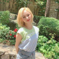 South Korean Girls, Korean Girl Groups, Up To The Sky, Yuehua Entertainment, Girls Series, K Idols, Kpop Girls, Cool Photos, T Shirts For Women