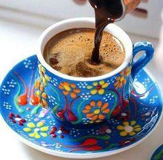 How to Make and Serve Turkish Coffee Coffee Is Life, I Love Coffee, My Coffee, Coffee Lovers, Good Morning Coffee, Coffee Break, Café Chocolate, Turkish Coffee Cups, Tea And Books