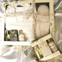 Baylis and Harding England - Online Gift Store, Online Gifts, Creative Gifts, Gifts For Women, England, Gift Wrapping, Gift Wrapping Paper, Wrapping Gifts, English