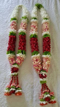Wedding Garlands, Flower Garland Wedding, Garden Wedding Decorations, Floral Garland, Flower Garlands, Indian Wedding Flowers, Indian Wedding Planning, Bridal Flowers, Blush Wedding Theme